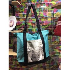 YOUR PHOTO ON A SHOPPING BAG